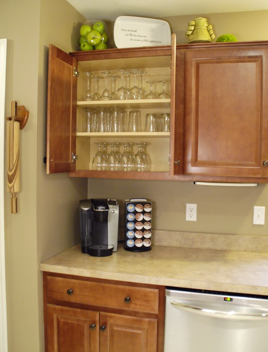 how to organize your kitchen living rich on lessliving rich on less. Black Bedroom Furniture Sets. Home Design Ideas