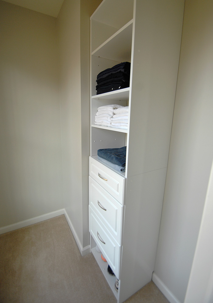 Master-closet-from-door-side