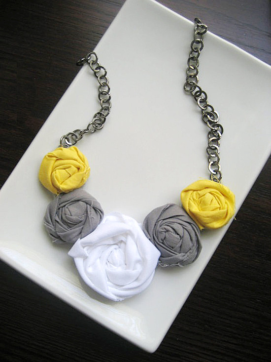 rosette-necklace