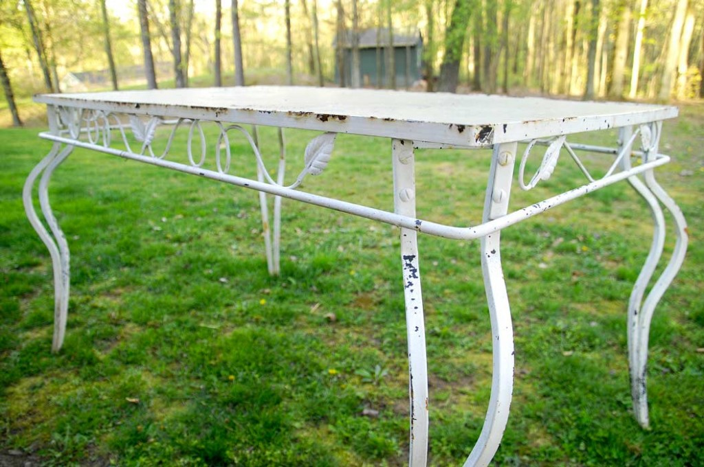 Free patio table