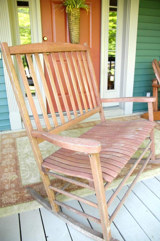 Wooden-rocking-chair-before