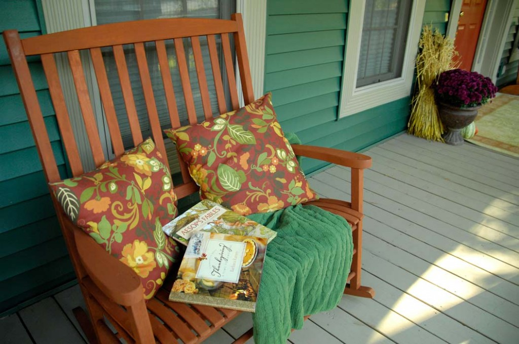Fall-front-porch-rocker
