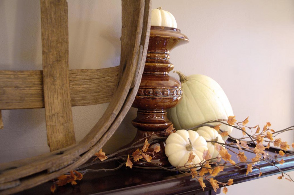Fall-mantel-closeup-right