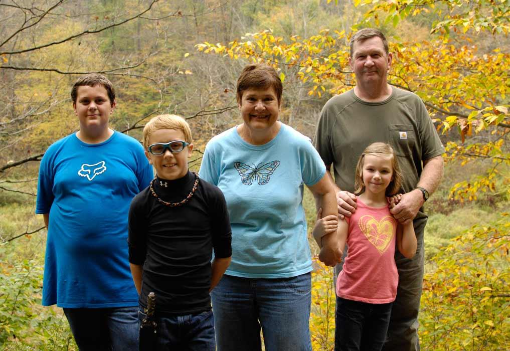 Family-hike-pic