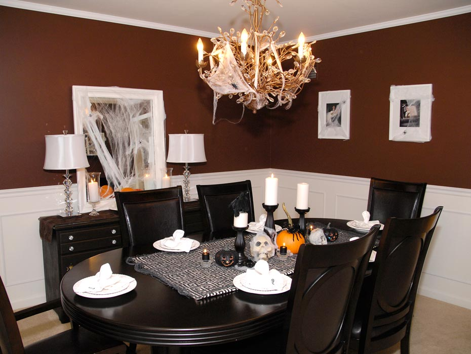 fascinating halloween dining room ideas | Halloween decorations in the dining room | Living Rich on Less