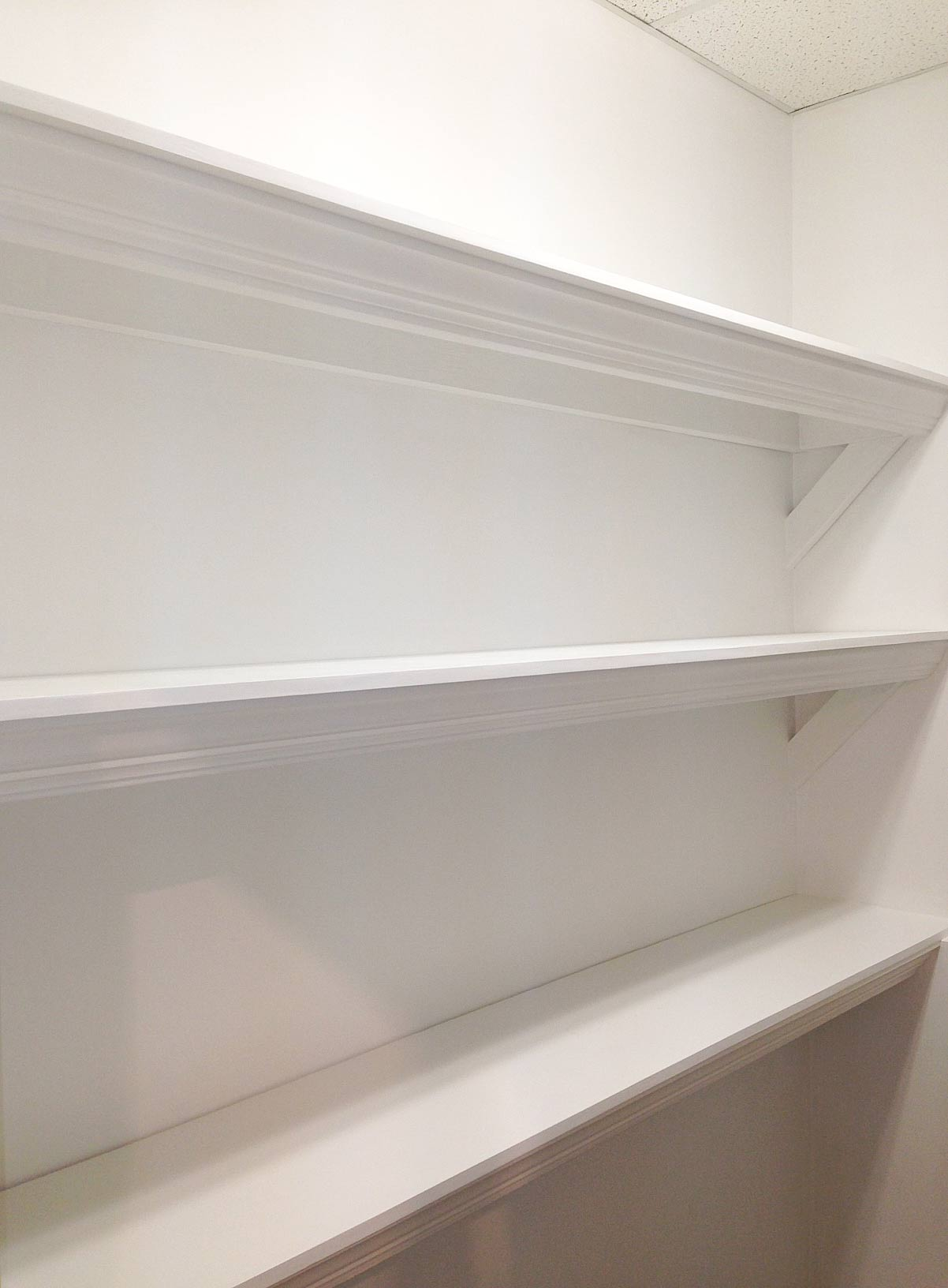 Finished-sturdy-shelves