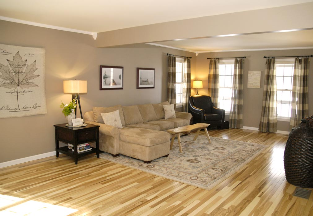 Hickory-floor-living-room-2