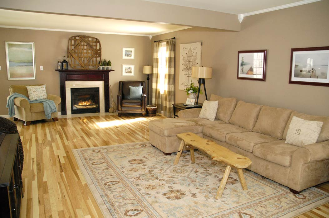 Hickory-floor-living-room