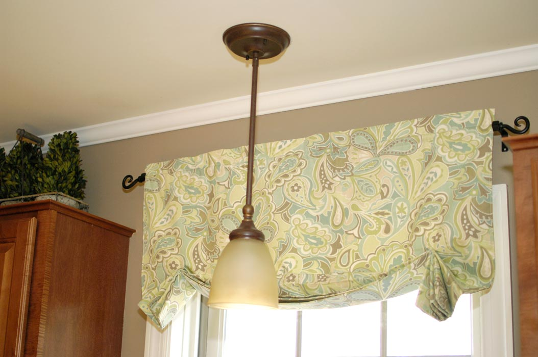 ... Kitchen Valance