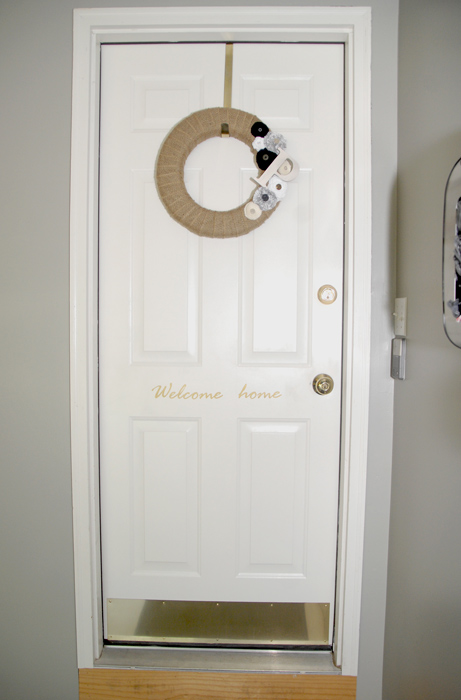 Burlap-wreath-garage-door