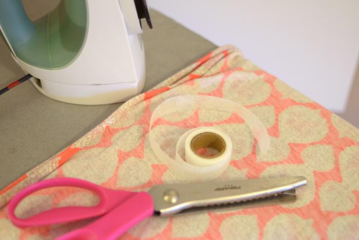 DIY-infinity-scarf-hemming-tape