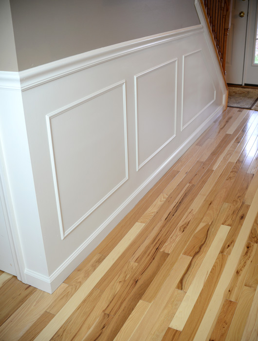 Hallway-molding-dining-room-side-closeup