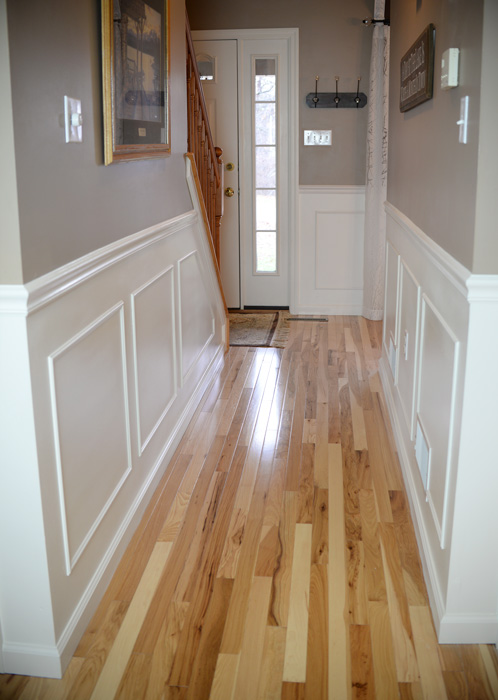 Hallway-molding-dining-room-side
