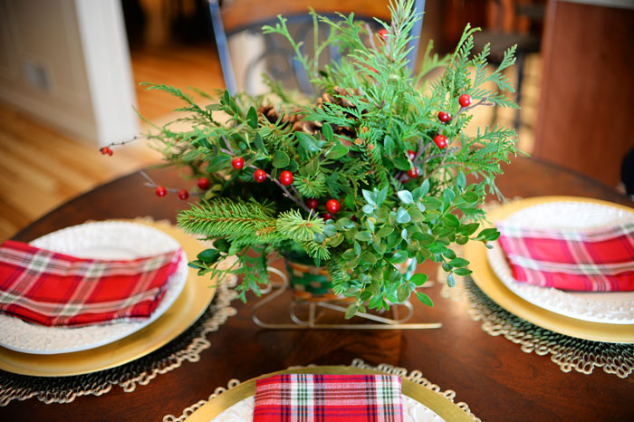 DIY-evergreen-centerpiece-closeup