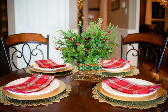DIY-evergreen-centerpiece