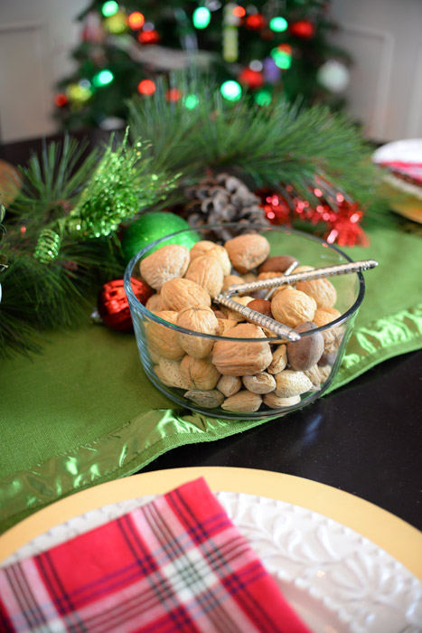 Holiday-bowl-of-nuts