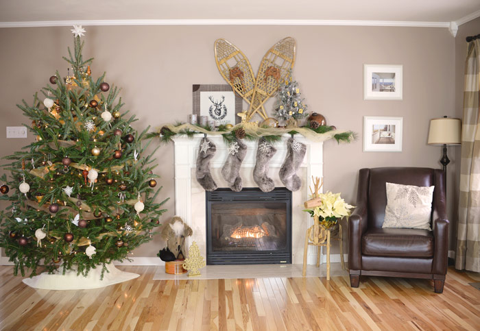 Living-Room-Christmas-Decorations-1