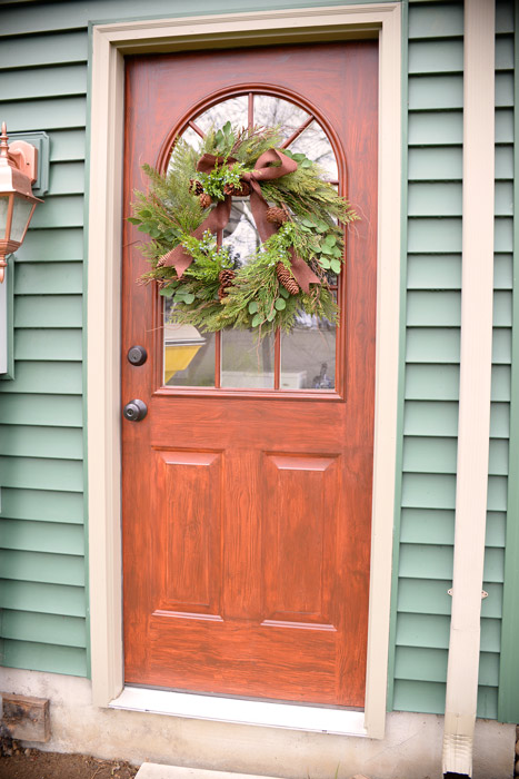 Faux-woodgrain-side-door