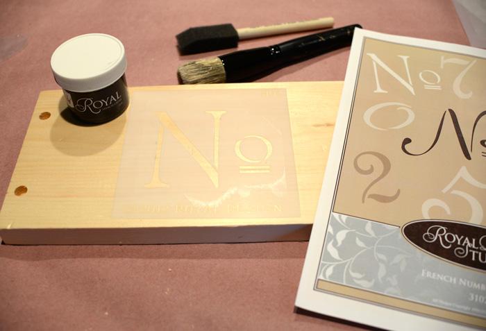 Royal-Design-Studio-numbers-stencil