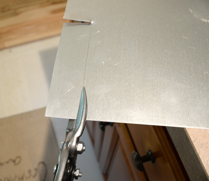 Cutting-sheet-metal