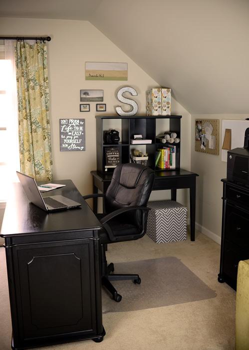 Black-desk-and-hutch-vert