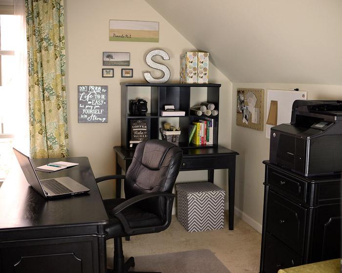Black-desk-with-hutch-3