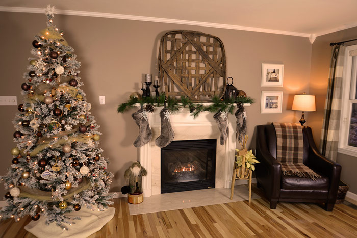 Living-room-Christmas-decorations