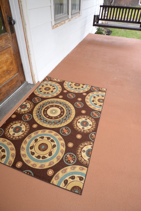 Porch-floor-and-rug