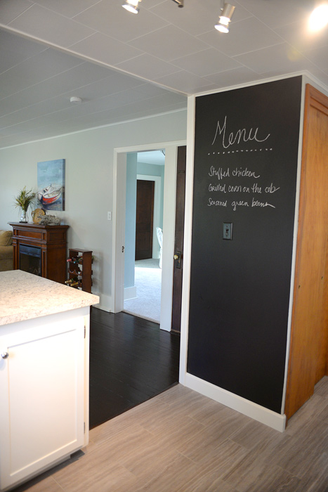 Kitchen-chalkboard-wall
