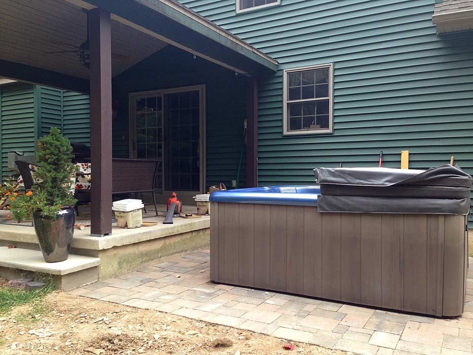 hot-tub-before-stain
