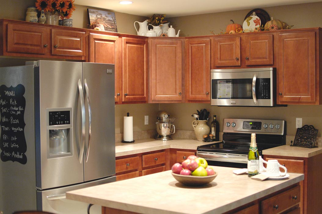 Fall kitchen decor living rich on lessliving rich on less for Hanging cabinet design for kitchen